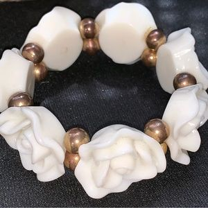 Jewelry - White Lucite/Acrylic Carved Rose Stretch Bracelet